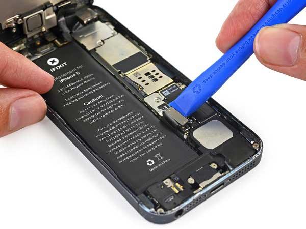 apakah baterai tanam bisa diganti